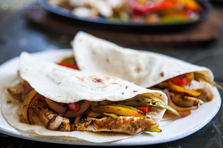 Mexican chicken fajita served with margaritas source food forumfinder Gallery
